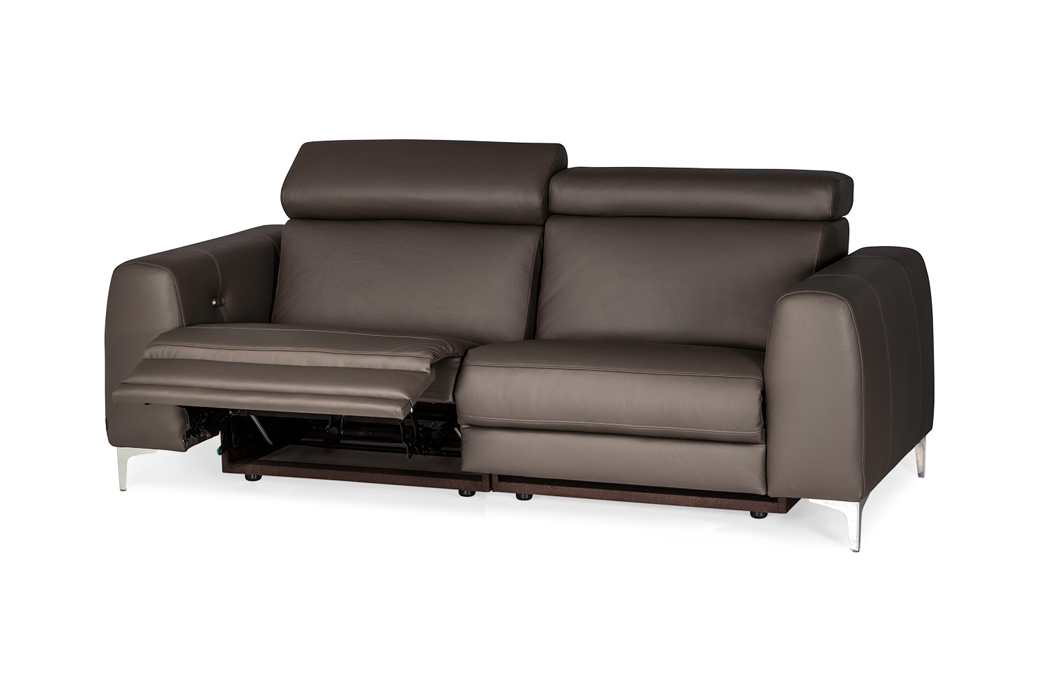 In picture Gent 3 LC with 2 recliners, leather: Labrador 3293, Leg 53 Stainless Steel.